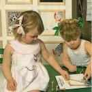Deux robes-tabliers pour fillettes
